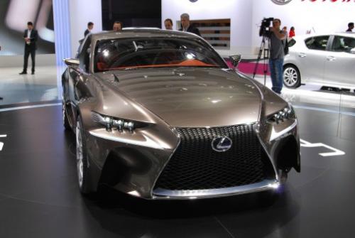 Новое купе Lexus LF-CC